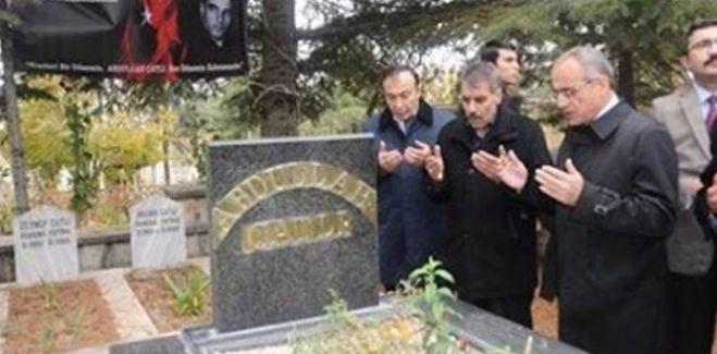 Kültür ve Turizm Bakanı Yalçın Topçu'dan Katil Çatlı'ya 'vefa' ziyareti