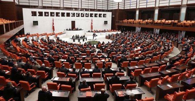 Davutoğlu'nun 'HDP, Ermeni çeteler gibi Rusya ile işbirliği yapıyor' sözleri tartışma başlattı