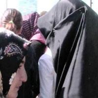 Kara Çarşaflılar Üniversitede - Yaşasın Özgürlük !
