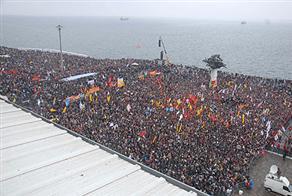Aleviler İzmir mitinginde eşitlik istedi