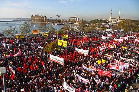 Aleviler AKP'nin çalıştay raporuna tepkili