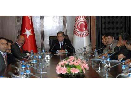 Alevilerden Çamuroğlu'na veto