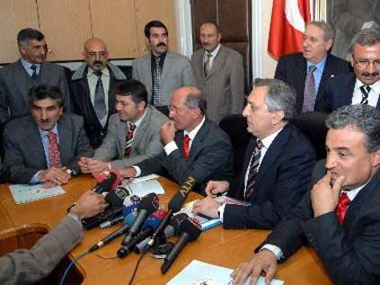 Toptan'ın Alevi davetinde 'Çamuroğlu krizi'