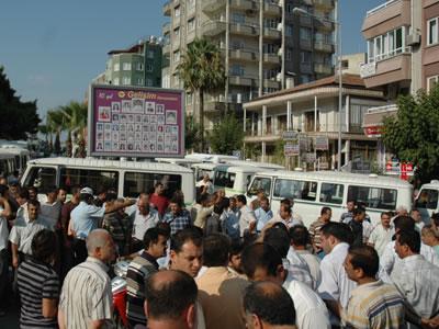 Minibüsçülerin eylemi ve ulaşım-eğitim-çalışma hakkı