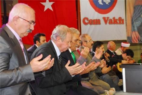 Cem Vakfı bir kez daha AKP ile ''Sevgi'de buluşacak''