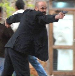 Akdeniz Üniversitesi'nde öğrencilere silahlı saldırı