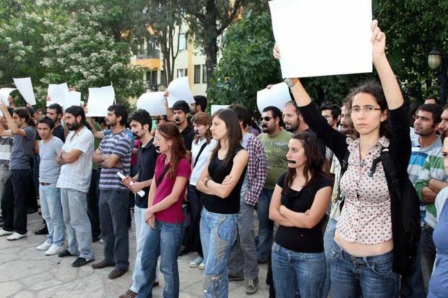 YÖK eylemine disiplin cezası insan haklarına aykırı
