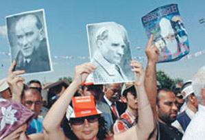 Ulusalcılardan Selmanpakoğlu'na Büyük Tepki