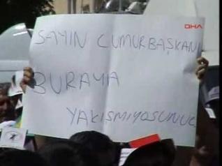 Abdullah Gül ile Ertuğrul Günay'a Protesto