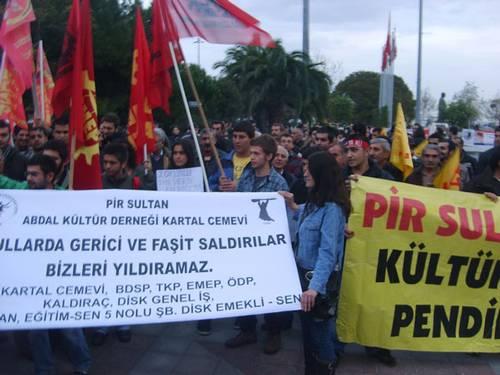 Kartal'da Alevi öğrencilere saldırılar protesto edildi