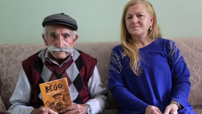 Dersim katliamından sağ kurtulan babasının tanıklıklarını kitaplaştırdı