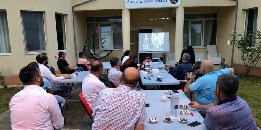 Romanya Alevi Bektaşi Derneği'nde 'Sivas 93' adlı belgesel oyun gösterildi