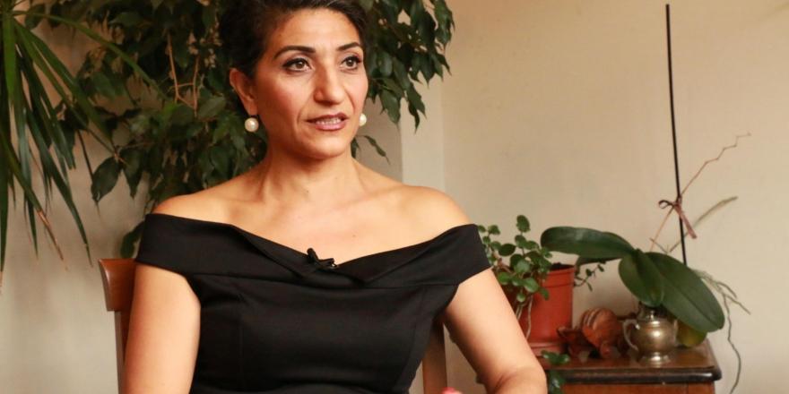 17+ Alevi Kadınlar, Yazar Gülfer Akkaya'nın gözaltına alınmasına tepki gösterdi