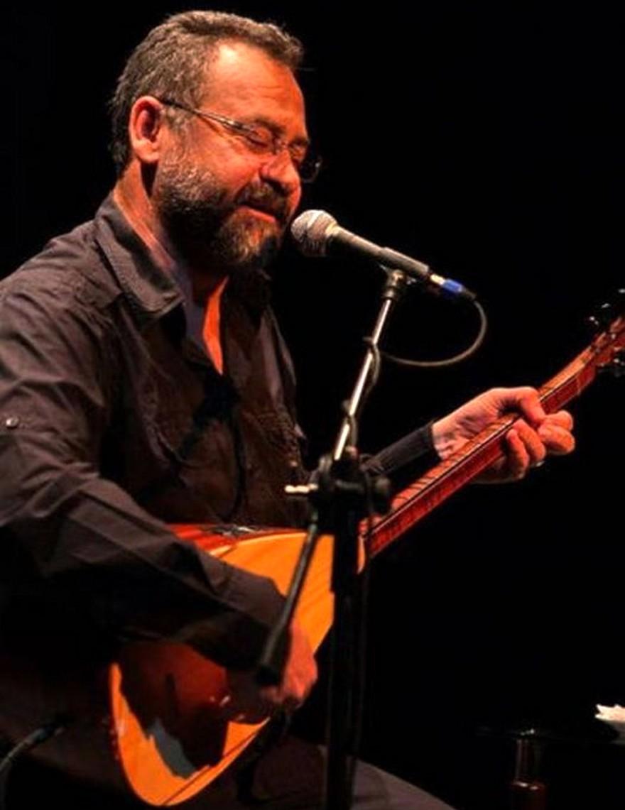 Tolga Çandar: 'Halk Müziğinin yaşadığı sorunlardan biri icracı eksikliği ve Hasret Gültekin'