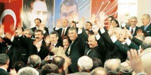 Partilerde yerel seçim rüzgârı