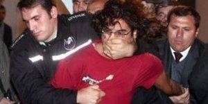 Protestocu öğrenciler gözaltında, Bakan devrede