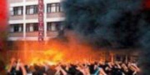 Canlar Tiyatrosu 'Simurg' ve 'Yangın Yeri Maraş' oyunlarıyla Avrupa Turnesinde