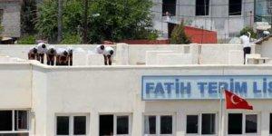 Lisenin çatısı ibadethane oldu