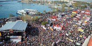 200 Bini Aşkın Kişi Alevilere Eşitlik İçin Kadıköy'deydi
