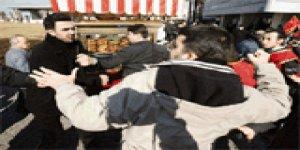 İzmir'de tekme tokat türban kavgası