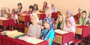 AKP'den Yine Tartışmalı Adım, Yaş Sınırı Kaldırılıyor