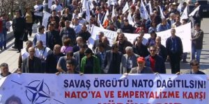 NATO karşıtları alanlara çıktı