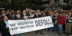 DKÖ'ler Rice'ın Türkiye'ye gelişini protesto ettiler