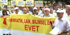 Türkiye'de bir ilk: Alevi mitingi