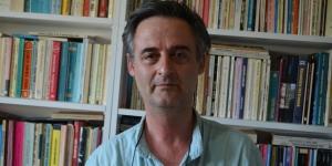 Mesut Özcan Düzgün Baba'da heykel tartışmasını yazdı; PSAKD'ye bazı sorular yöneltti