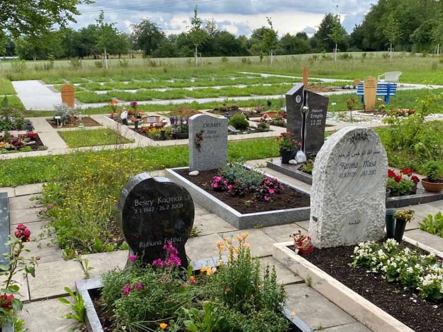 Ludwigsburg kentinde Alevi mezarlarına saldırı