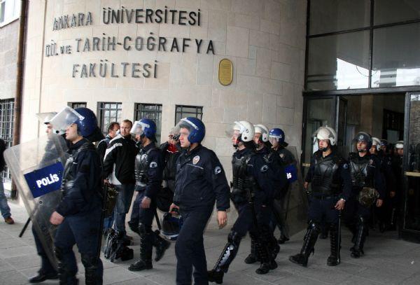Güvenlikten Saldırana Değil, Saldırıyı Kınayan Solcu Öğrencilere Müdahale