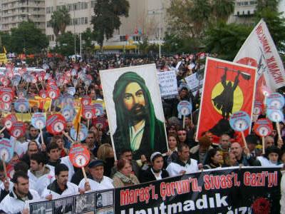 """""""Yeni Sol"""" Parti Tartışması Alevi Örgütlerini Yardı"""
