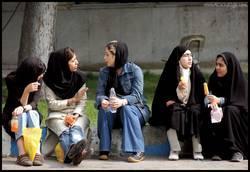122 Bin Kadına 'İslami Giyin' Uyarısı