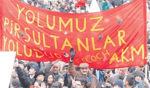 Irkçı diziyi protesto eden Aleviler geri adım attırdı